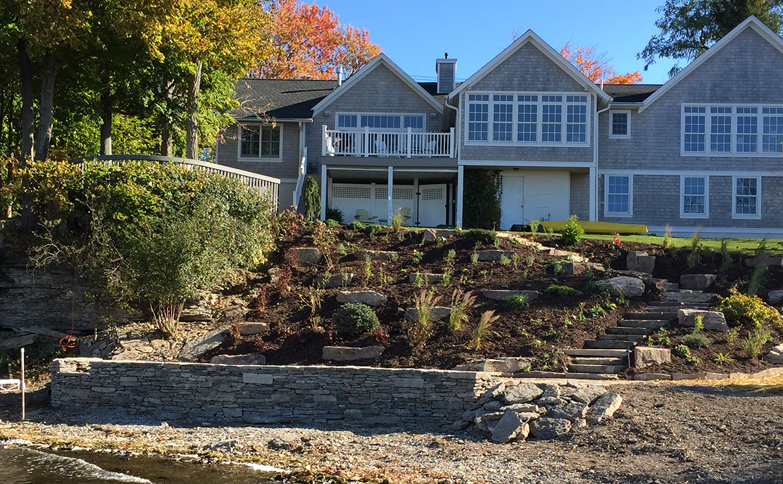 Retaining Wall | Natural Stone Landscaping