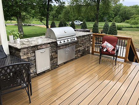 Outdoor Kitchen and Composite Deck