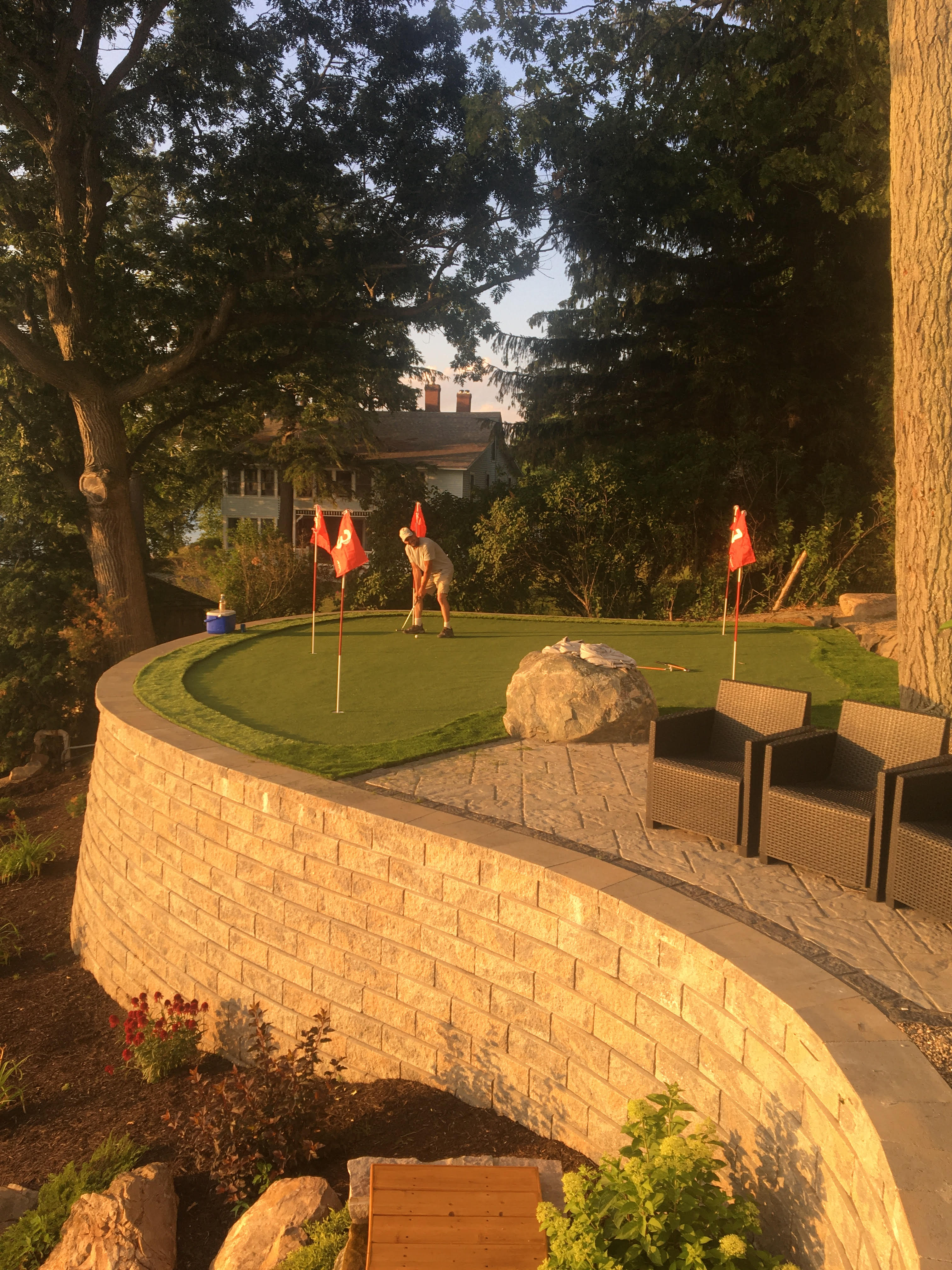 Retaining Wall Putting Green
