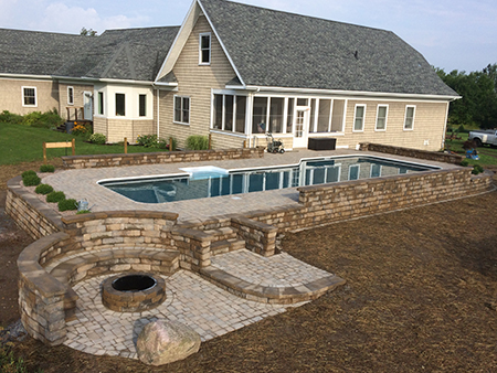 Retaining Walls & Raised Patio